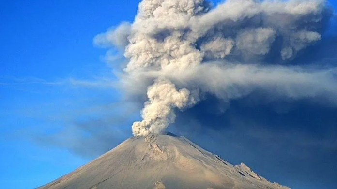They warn of ash fall from the Popocatepetl volcano in CDMX and Edomex (Photo: Via Twitter)