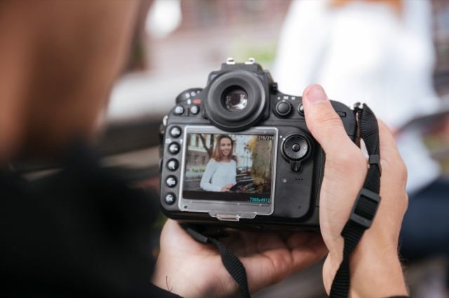 Sell professional photos online