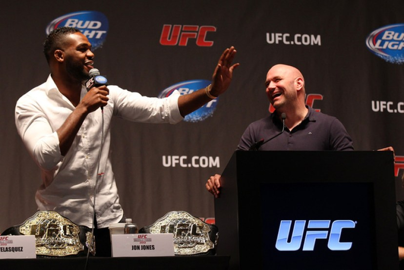https://i2.wp.com/assets.fightland.com/content-images/contentimage/59542/dana-white-says-jon-jones-may-not-have-taken-those-banned-substances-everyone-thought-he-took.jpg?resize=828%2C555