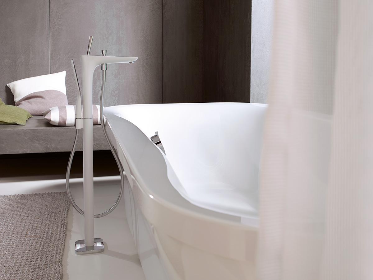 mitigeur de baignoire et robinet de