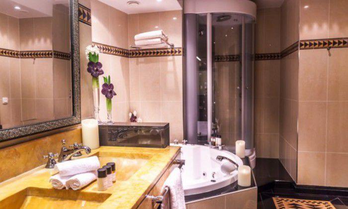 rect700 hotels jacuzzi hotel du collectionneur
