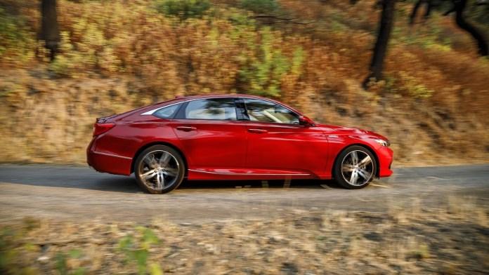 Honda Accord, así es de perfil.