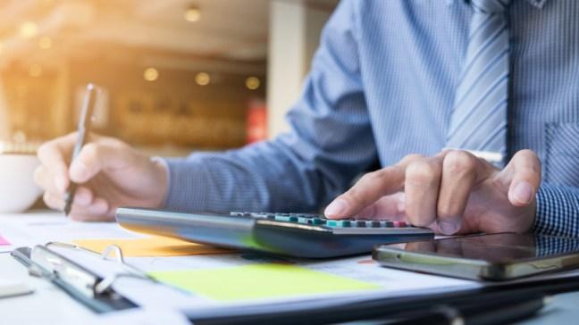 Presión fiscal: cuánto trabaja un empleado para pagar los impuestos