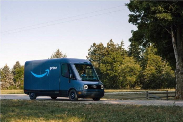 Las furgonetas de reparto Amazon de Rivian han comenzado a repartir este mes