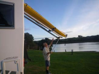 Whanaki kayak unload 2