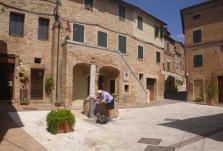 Mounte-Oliveto-Maggiore-to-Buonconvento-4