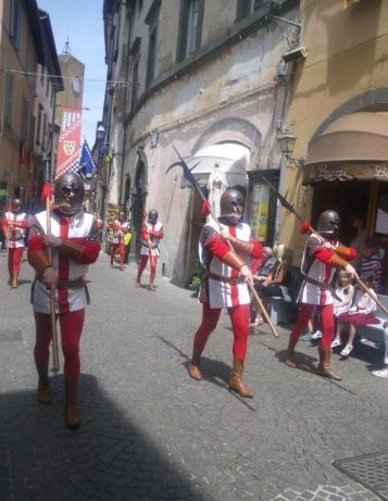 Orvieto-parade-3