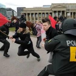Linksextreme Gegendemonstranten Foto:  picture alliance/dpa
