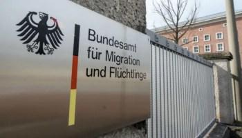 Bundesamt für Migration und Flüchtlinge: Asylzahlen außer Kontrolle