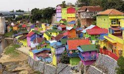 """Penggemar """"Selfie"""", Ini 4 Kampung Warna-warni Di Indonesia"""