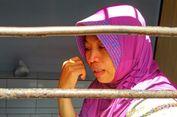 5 Berita Populer Nusantara: Di Balik Viralnya Foto 2 Mobil 'Berebut' Jalur hingga Ibu Nuril yang Terjerat UU ITE karena Telepon Atasan