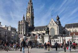 Perjalanan Dari Brussel Ke Den Haag, Mampirlah Di Antwerp