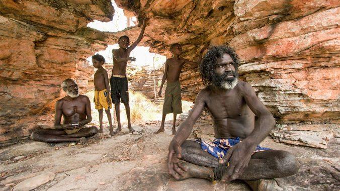 Aborigin Australia. Sumber: www.sciencemag.org/