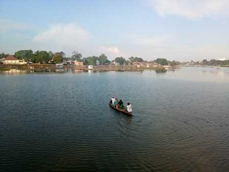 Ketinting Menyeberangi Danau (Dokpri)