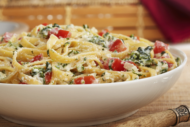 Pasta with Spinach and Ricotta Cheese Recipe   Kraft Recipes Pasta with Spinach and Ricotta Cheese Recipe