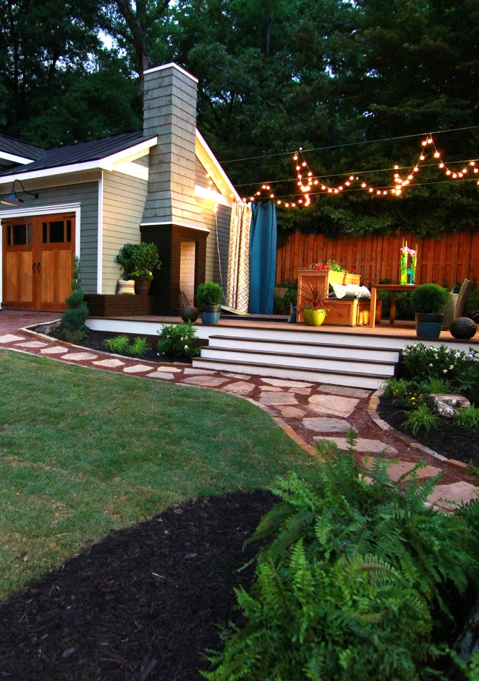 How to Turn a Small Backyard into an Entertaining Oasis