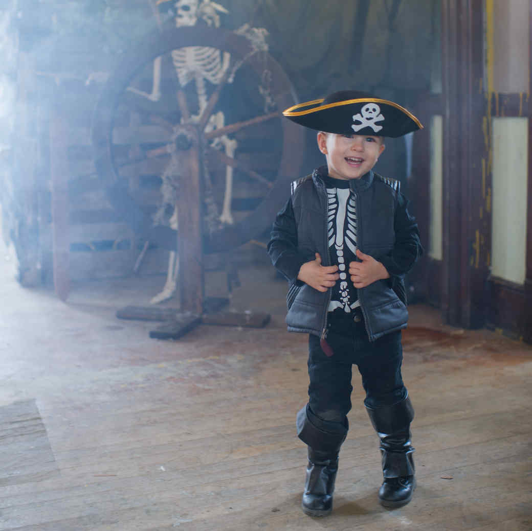 Ahoy This Is How You Throw An Epic Pirate Themed Party