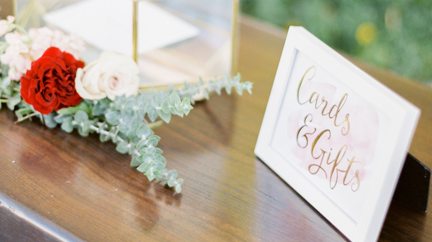 21 Ways To Set Up A Card Or Gift Table At Your Wedding