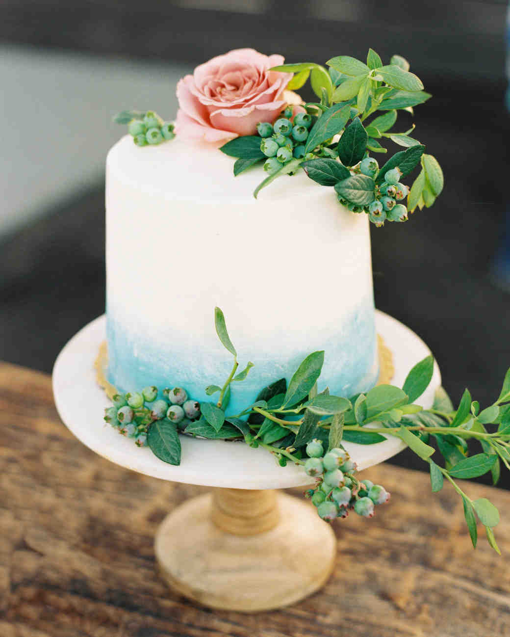 The Prettiest Ombr     Wedding Cakes for Couples Who Love Color     ombre cakes meiwens