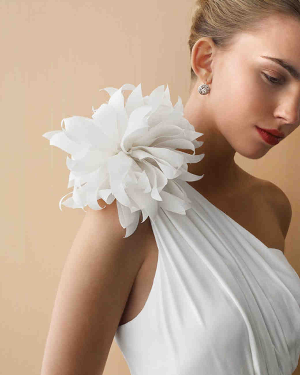 How To Make Paper And Fabric Flowers For Your Wedding
