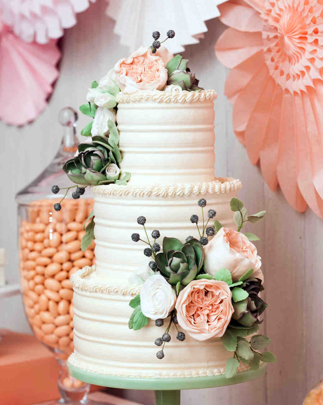 A Sweet Guide to Choosing a Frosting for Your Wedding Cake   Martha     Photography  Charlie Juliet