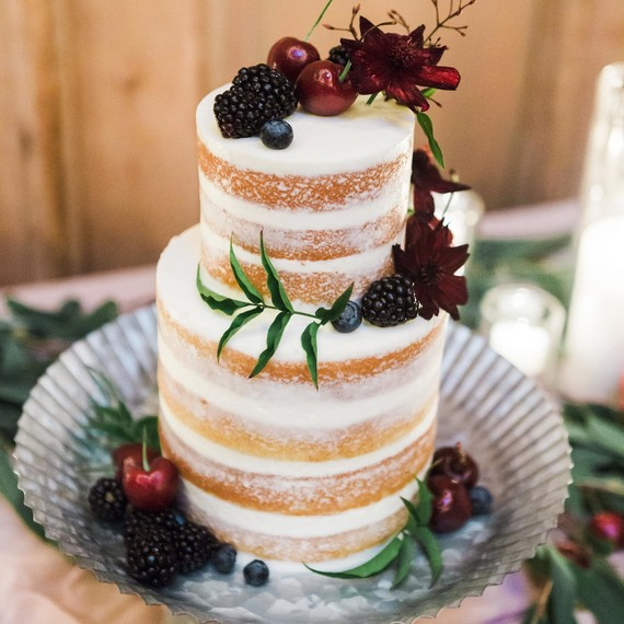 5 Unique Cake Flavors to Serve at Your Winter Wedding   Martha     wedding cake