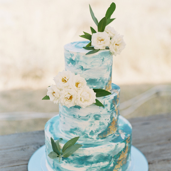 Bakers Share the Most Popular Wedding Cake Trends Right Now   Martha     How to Preserve the Top Tier of Your Wedding Cake