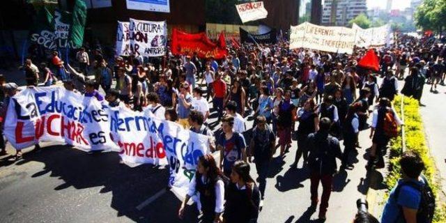 Estudiantes y profesores solicitan autorización para primera marcha del año