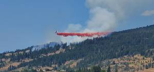 Video captures wildfire burning east of Vernon (01:18)