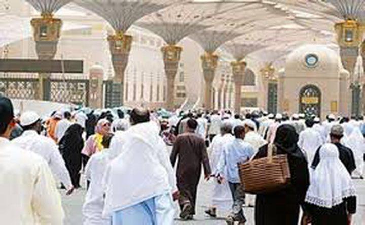 ٢٠٠٠ حاج من أسر شهداء الجيش الوطني يصلون إلى المدينة المنورة