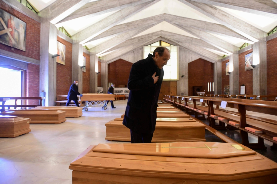 Covid-19: Italy overwhelmed as death toll tops 8,000 | New Straits ...