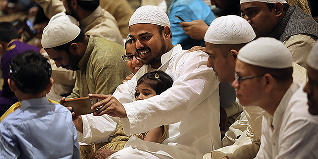 Muslims at a 2017 prayer service celebrating Eid al-Fitr, a holiday that marks the end of Ramadan. (John Moore/Getty Images)