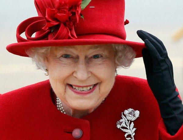 Pourquoi la reine Elizabeth II fascine-t-elle autant ?