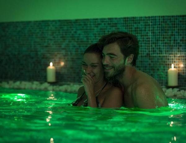 #Bachelor : Linda, amoureuse, a toujours sa bague de fiançailles