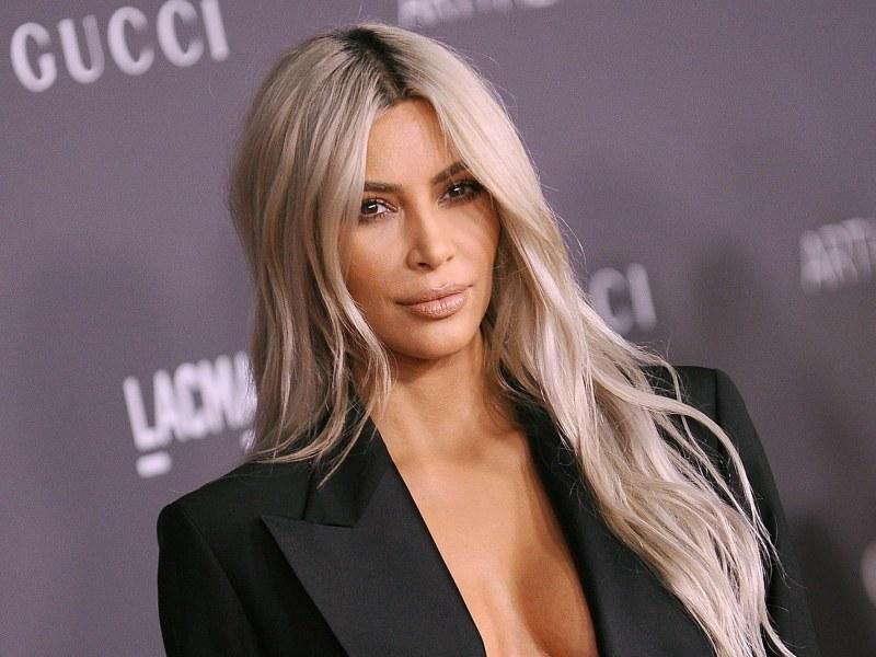 Kim Kardashian dévoile la liste de ses ennemis puis leur fait un cadeau !