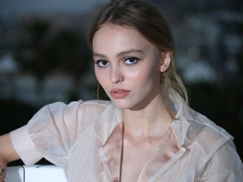 Lily-Rose Depp et Laetitia Casta : elles vont tourner dans le prochain film de Louis Garrel