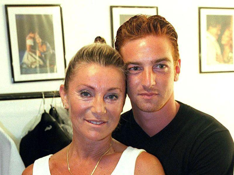 Sheila : Pour Sylvie Ortega Munos, la chanteuse «a sa part de responsabilité dans la mort de son fils»