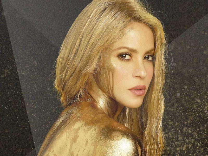 Shakira : Un collier comportant un symbole nazi en vente lors de sa tournée…