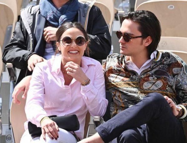 Capucine Anav et Alain-Fabien Delon s'affichent ultra amoureux à Roland-Garros