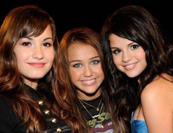 Miley Cyrus en conflit avec Selena Gomez et Demi Lovato ? Elle répond !