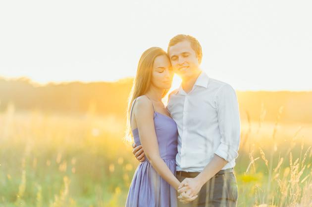 Фотография выше — исходный JPEG с камеры без какой-либо обработки. Использование закатного солнца в качестве фона и контровика придаст вашим фотографиям немного волшебства.