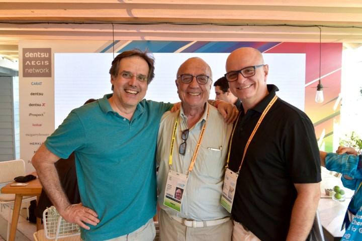 Abel Reis (Dentsu), Armando Ferrentini (Editora Referência), e Mário D'Andrea (Dentsu)
