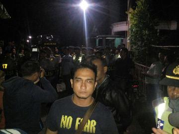 DIJAGA KETAT. Rumah Siyono, terduga teroris yang tewas saat diperiksa Densus 88 dijaga ketat, Klaten, Minggu, 13 Maret 2016. Foto Istimewa