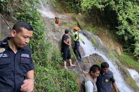 Image result for Sad! 33-Year Old French Tourist Falls To His Death While Taking Selfie In Thailand""