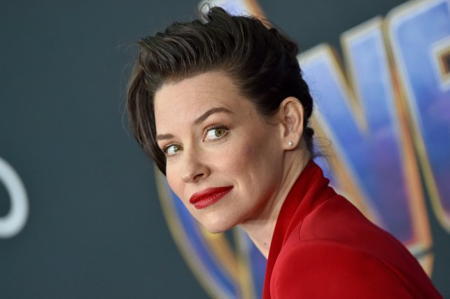 Actress Evangeline Lilly won't self-isolate — because she values freedom over anything and says the government already has too much control