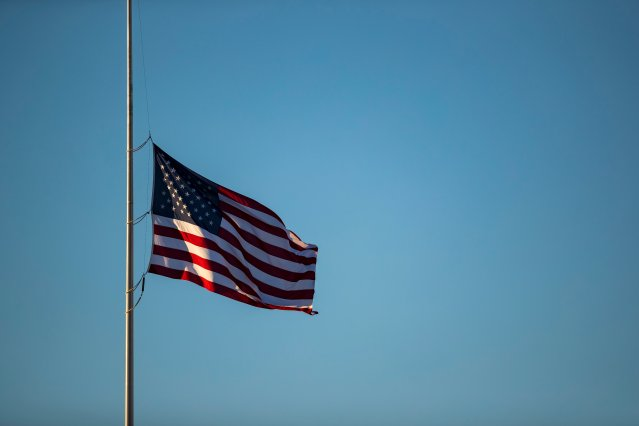 NY Gov. Andrew Cuomo orders flags flown at half-staff to honor state's COVID-19 victims