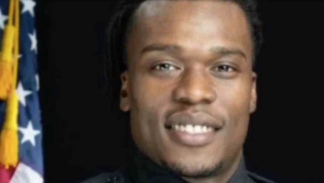 Black Lives Matter mob shoots at black cop, physically assaults him at girlfriend's home they vandalized
