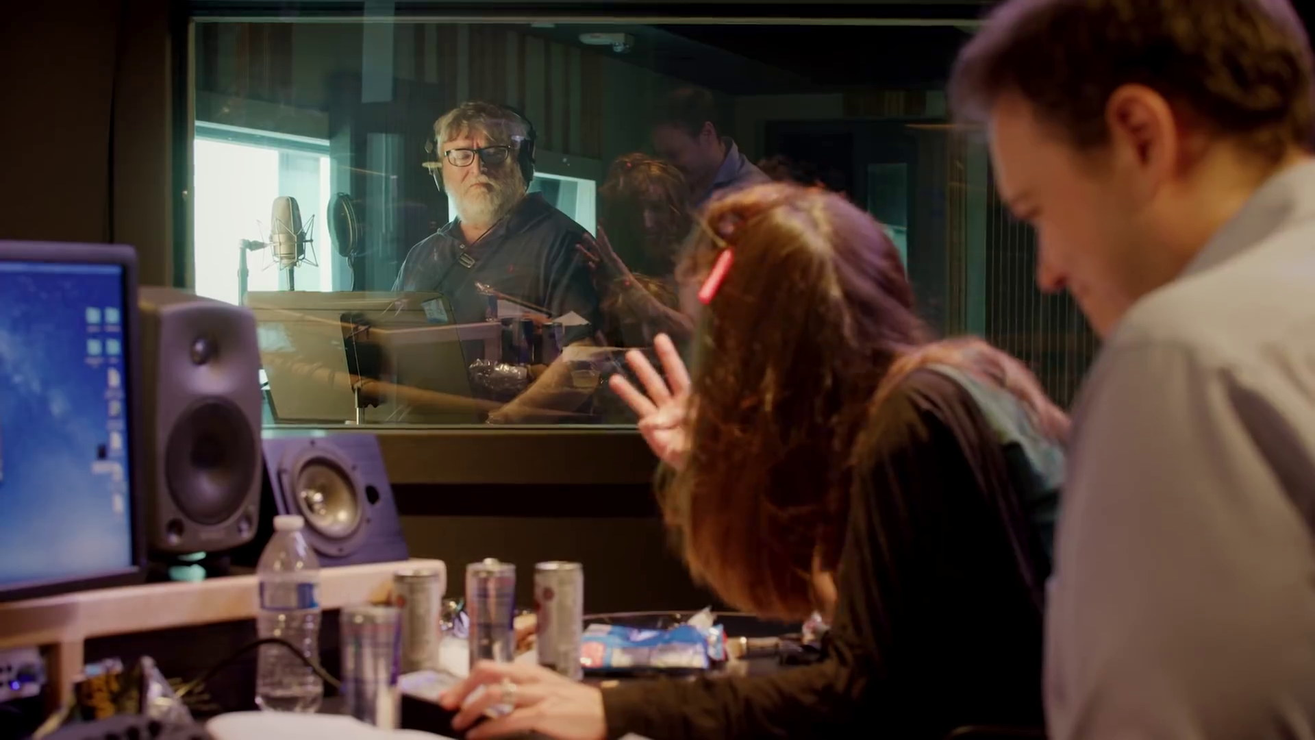 Gabe Newell Steps Up To The Mic In New Dota 2 Voice Pack Rock Paper Shotgun