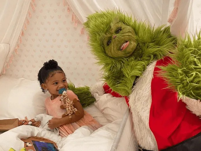 Christmas was stolen !, Kylie Jenner and the Grinch, swept sales (INSTAGRAM)