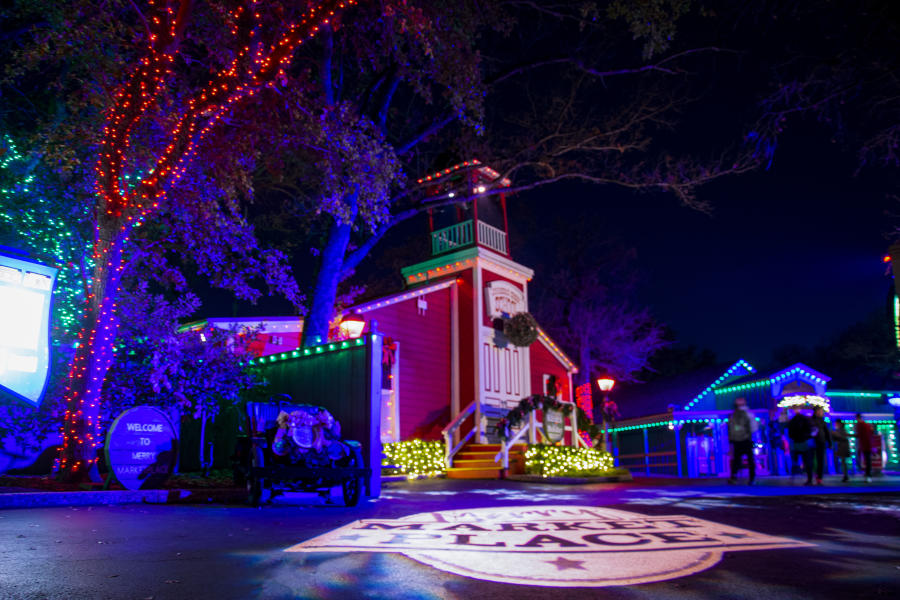 six flags over texas holiday in the park